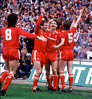 Fotball<br /> Liverpool<br /> Foto: Colorsport/Digitalsport<br /> NORWAY ONLY<br /> <br /> Ian Rush (Liverpool) celebrates his goal with Kenny Dalglish and team mates. FA Cup Final 1986 @ Wembley. Liverpool v Everton.