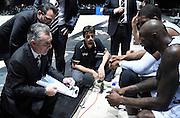 DESCRIZIONE : Casalecchio di Reno (BO) Campionato Lega A 2015-16 Obiettivo Lavoro Virtus Bologna Acqua Vitasnella Cantu'<br /> GIOCATORE : Giorgio Valli<br /> CATEGORIA : Allenatore Coach Time Out Fair Play<br /> SQUADRA : Obiettivo Lavoro Virtus Bologna<br /> EVENTO : Campionato Lega A 2015-16<br /> GARA : Obiettivo Lavoro Virtus Bologna Acqua Vitasnella Cantu'<br /> DATA : 23/12/2015<br /> SPORT : Pallacanestro <br /> AUTORE : Agenzia Ciamillo-Castoria/A.Giberti<br /> Galleria : Campionato Lega A 2015-16  <br /> Fotonotizia : Casalecchio di Reno (BO) Campionato Lega A 2015-16 Obiettivo Lavoro Virtus Bologna Acqua Vitasnella Cantu'<br /> Predefinita :