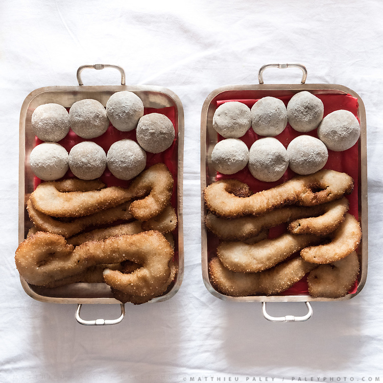 """Sort of beignets or fritters. Traditional wedding gifts are prepared by the grrom's family for the bride. <br /> Called """"Saipata"""", they come in pairs as it is considered auspicious."""