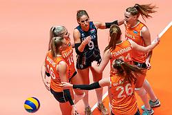 29-05-2019 NED: Volleyball Nations League Netherlands - Bulgaria, Apeldoorn<br /> Myrthe Schoot #9 of Netherlands, Marrit Jasper #18 of Netherlands, Eline Timmerman #31 of Netherlands, Indy Baijens #16 of Netherlands, Sarah van Aalen #26 of Netherlands