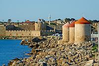 Grece, Dodecanese, Rhodes, ville de Rhodes, patrimoine Unesco, les moulins et Agios Nikolaos // Greece, Dodecanese, Rhodes island, Rhodes city, Unesco word heritage, windmill and Agios Nikolaos