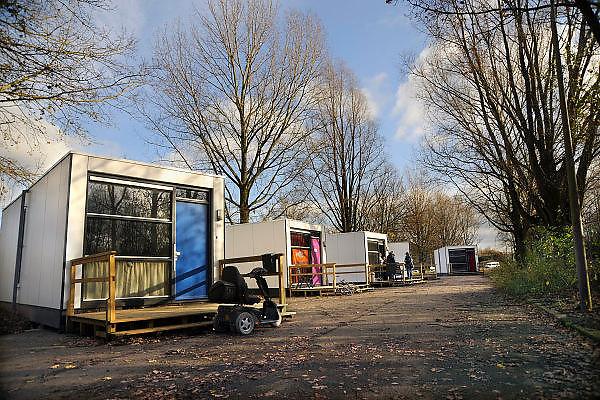 Nederland, Arnhem, 30-11-2009Wooncontainers voor probleemgevallen. Een uit denemarken overgenomen concept, Skaeve Huse, om burgers die onhandelbaar en ongepast gedrag vertonen te huisvesten buiten woonwijken. Deze staan in Arnhem-zuid.Foto: Flip Franssen/Hollandse HoogteFoto Flip Franssen