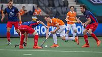AMSTELVEEN -  Caspar van Dijk (Bldaal) tijdens de halve finale wedstrijd mannen EURO HOCKEY LEAGUE (EHL),  HC Bloemendaal- Royal Leopold Club (Bel)(1-1) Bloemendaal wint shoot outs en plaatst zich voor de finale.  COPYRIGHT  KOEN SUYK