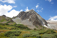 Snowmass Peak rising up from the meadows.