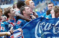 Photo: Kevin Poolman.<br /> Reading v Queens Park Rangers. Coca Cola Championship. 30/04/2006. Graeme Murty celebrates the Championship win .