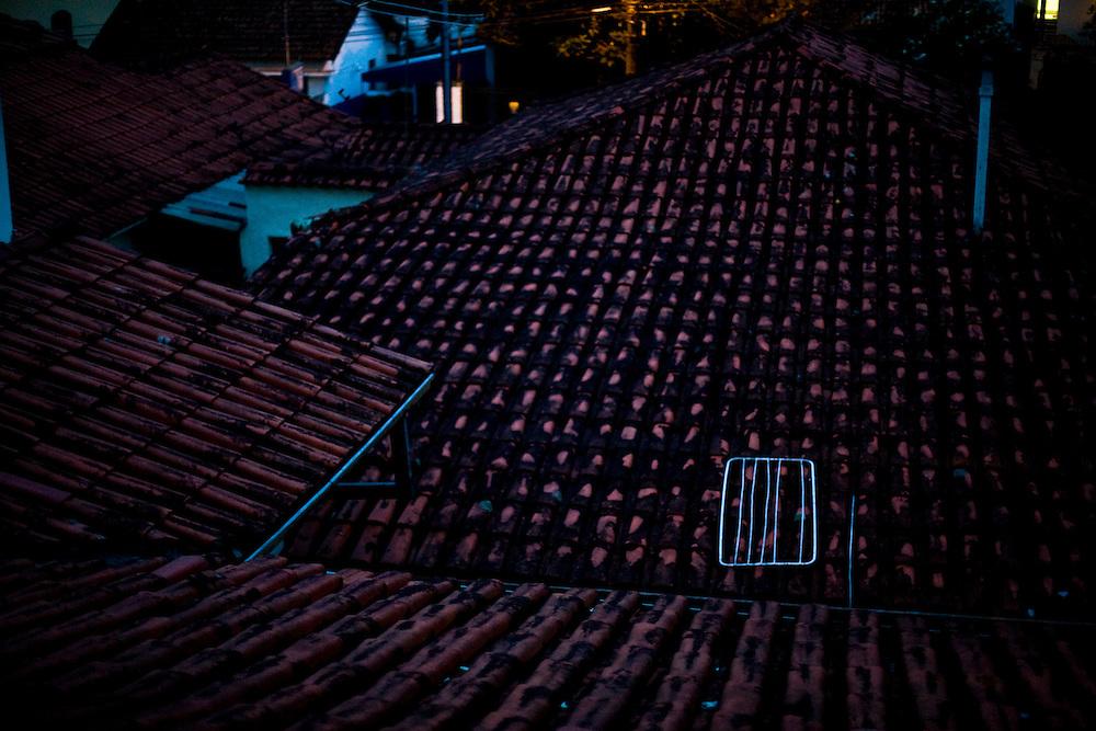 Belo Horizonte_MG, Brasil...Telhado de uma casa no bairro Serra em Belo Horizonte...A house roof in Serra neighborhood in Belo Horizonte...Foto: JOAO MARCOS ROSA / NITRO