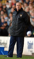 Photo: Paul Greenwood.<br />Port Vale v Swansea City. Coca Cola League 1. 18/11/2006. Port Vale manager Martin Foyle.