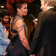 NLD/Amsterdam/20121222 - Inloop 538Jingleballs 2012, Eva Simons word geinterviewd door Ruud de Wild