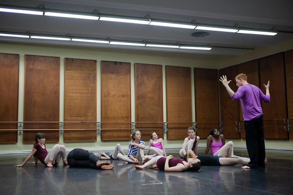 Conservatoire de musique et de danse de la ville de Montreuil. Établissement de formation et de pratique artistique spécialisées, qui s'adresse aussi bien à des artistes amateurs qu'aux futurs professionnels. Le conservatoire est un lieu d'échanges, de rencontres, de découvertes, ouvert à tous, où se retrouvent des enseignants, des élèves et des publics provenant d'horizons et de cultures diverses.