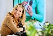 UDEN, 20-04-2021, schoonmaakbedrijf CSU<br /> <br /> Koningin Maxima brengt tijdens een werkbezoek aan schoonmaakbedrijf CSU in Uden, de winnaar van de Koning Willem I Prijs in de categorie Grootbedrijf.<br /> Brunopress/POOL/Piroschka vd Wouw