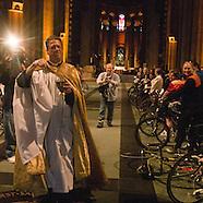 NY415A Cyclists parade
