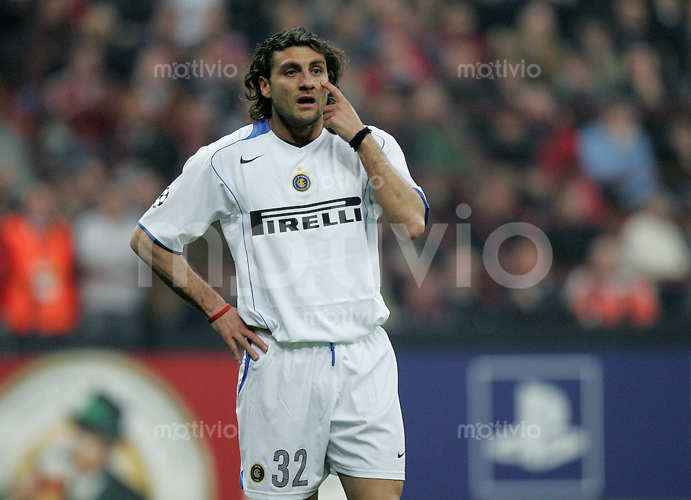 Fussball International Champions League 2004/2005 Viertelfinal - Hinspiel AC Mailand 2-0 Inter Mailand Christian Vieri (Inter)