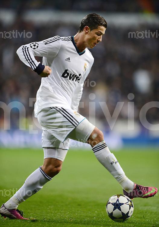 FUSSBALL  CHAMPIONS LEAGUE  ACHTELFINALE  HINSPIEL  2012/2013      Real Madrid - Manchester United FC         13.02.2013 Cristiano Ronaldo (Real Madrid) am Ball