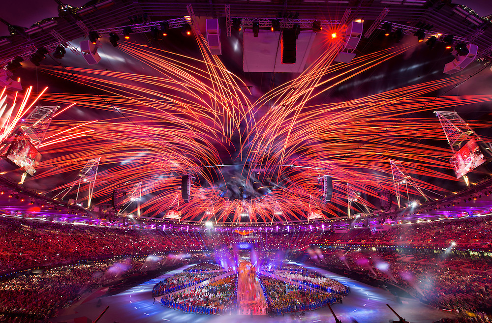 Fireworks exploded over Olympic Stadium during the Closing Ceremony of the 2012 Summer Olympic Games in London, England, Monday, August 13, 2012. (David Eulitt/Kansas City Star/MCT)