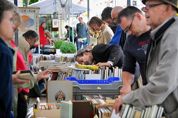 Nederland, Huissen, 5-9-2009Boekenmarkt in dit dorp in Gelderland..Foto: Flip Franssen/Hollandse Hoogte