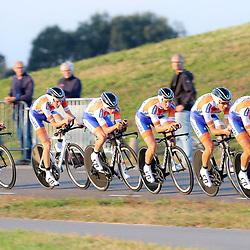 27-09-2016: Wielrennen: Olympia Tour: Hardenberg <br />HARDENBERG (NED) wielrennen <br />Nederlands oudste wielerkoers ging van start in Hardenberg met een ploegentijdrit. Kanjers voor Kanjers