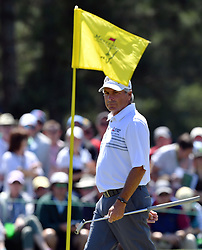 Fred Couples looks at his shot on the 2nd green during the third round of the Masters Tournament at Augusta National Golf Club in Augusta, Ga., on Saturday, April 8, 2017. (Photo by Brant Sanderlin/Atlanta Journal-Constitution/TNS) *** Please Use Credit from Credit Field ***