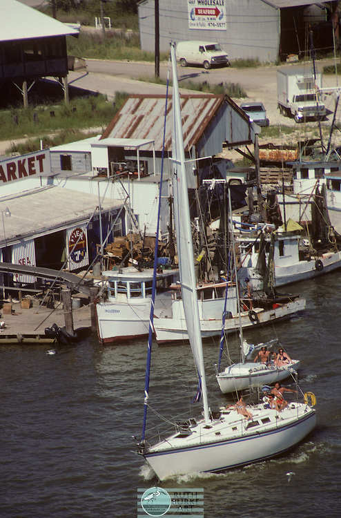 1988 sailing along Seabrook Waterfront in Clear Creek Channel