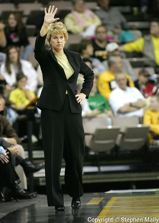28 NOVEMBER 2007: Iowa head coach Lisa Bluder signals to her team in the second half of Georgia Tech's 76-57 win over Iowa in the Big Ten/ACC Challenge at Carver-Hawkeye Arena in Iowa City, Iowa on November 28, 2007.