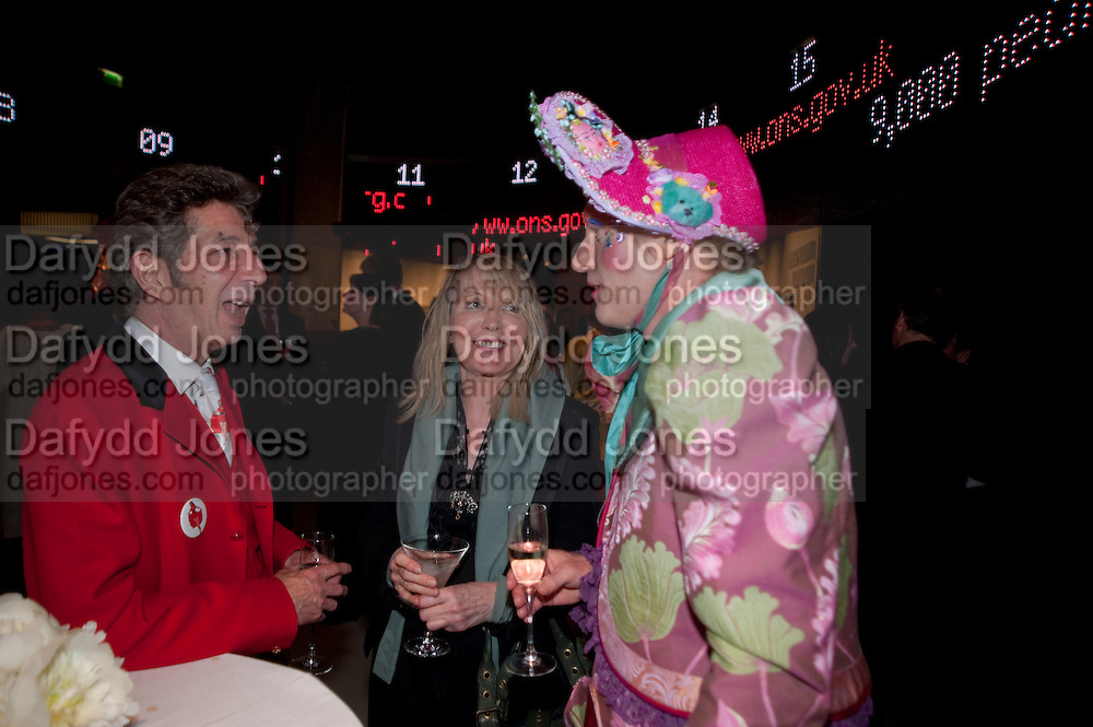 DUGGIE FIELDS; GRAYSON PERRY;   attend The Galleries of Modern London launch party at the Museum of London on May 27, 2010 in London. <br /> -DO NOT ARCHIVE-© Copyright Photograph by Dafydd Jones. 248 Clapham Rd. London SW9 0PZ. Tel 0207 820 0771. www.dafjones.com.