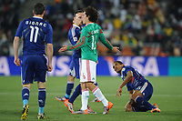 FOOTBALL - FIFA WORLD CUP 2010 - GROUP STAGE - GROUP A - FRANCE v MEXICO - 17/06/2010 - PHOTO FRANCK FAUGERE / DPPI - CLASH BETWEEN FRANCK RIBERY (FRA) AND EFRAIN JUAREZ (MEX)