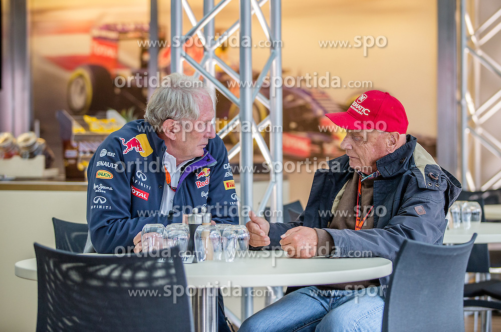 19.06.2015, Red Bull Ring, Spielberg, AUT, FIA, Formel 1, Grosser Preis von Österreich, Training, im Bild Motorsport Consultant Dr. Helmut Marko, (AUT, Red Bull Racing Team) und Niki Lauda (AUT, Mercedes AMG Petronas F1 Team) // during the Practice of the Austrian Formula One Grand Prix at the Red Bull Ring in Spielberg, Austria, 2015/06/19, EXPA Pictures © 2015, PhotoCredit: EXPA/ Dominik Angerer