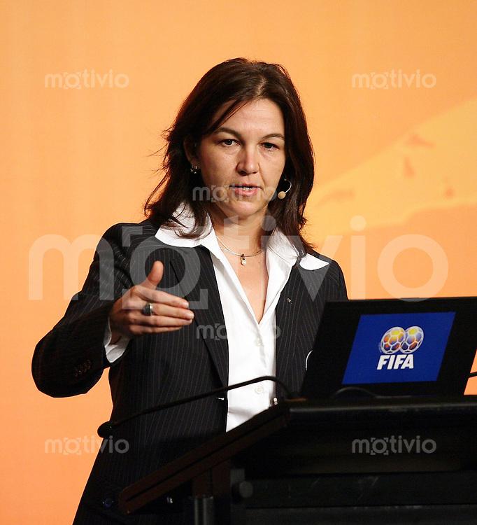 Fussball International Fussball FIFA Women «s Football Symposium Heike Ullrich (DFB)