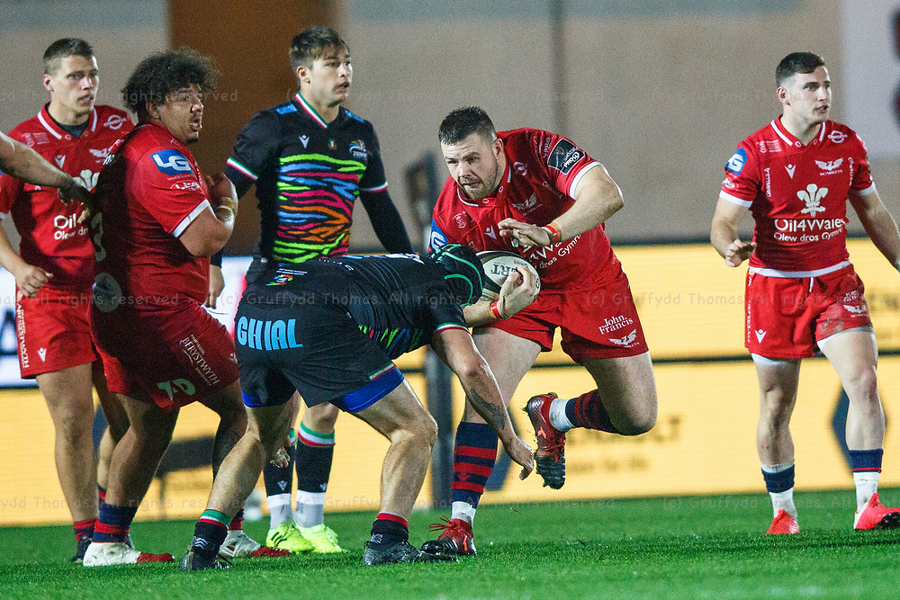 Llanelli, UK. 8 November, 2020.<br /> Scarlets prop Rob Evans in action during the Scarlets v Zebre PRO14 Rugby Match.<br /> Credit: Gruffydd Thomas/Alamy Live News
