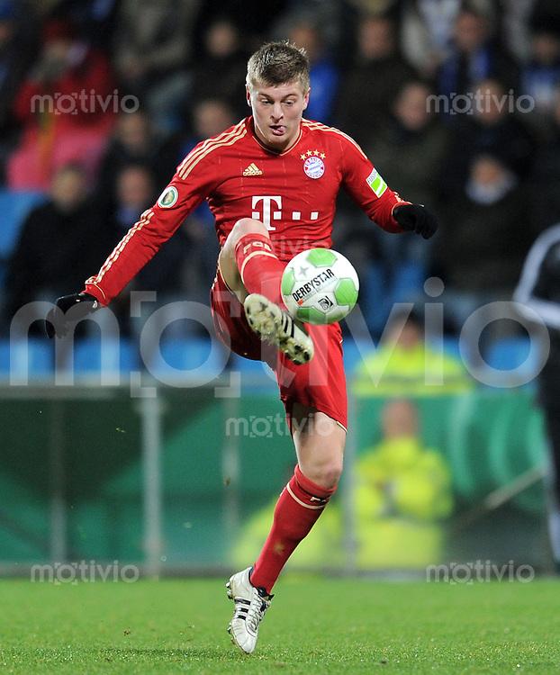Fussball DFB Pokal:  Saison   2011/2012  Achtelfinale  20.12.2011 VfL Bochum - FC Bayern Muenchen  Toni Kroos (FC Bayern Muenchen)