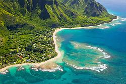 Haena Point, Tunnels Beach, coral ree, Haena Beach Park, and Kee Beach in distance, North Shore, Kauai, Hawaii, USA, Pacific Ocean