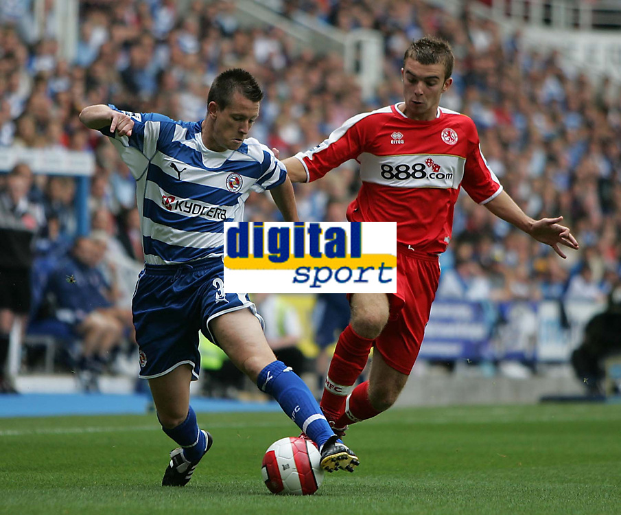 Photo: Lee Earle.<br /> Reading v Middlesbrough. The Barclays Premiership. 19/08/2006. Reading's Nicky Shorey (L) battles with James Morrison.