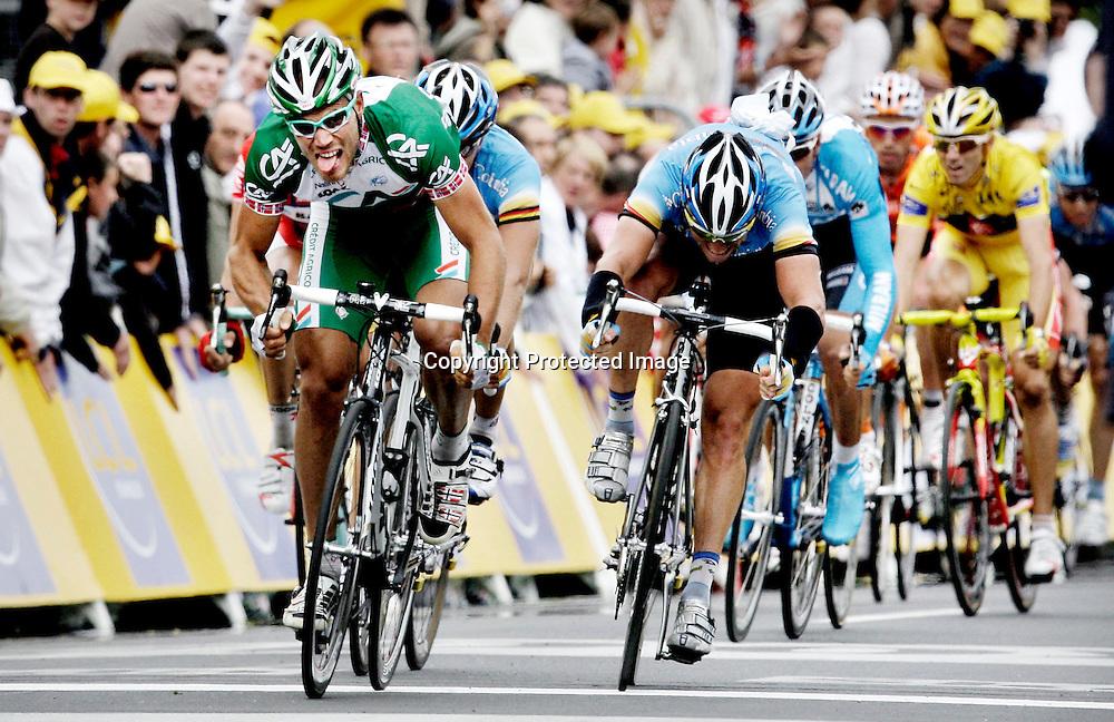 Saint-Brieuc, 20080706. Tour de France, sykkel. Thor Hushovd spurtet til seier på den 2.etappen i Tour de France. ..Foto: Daniel Sannum Lauten/Dagbladet
