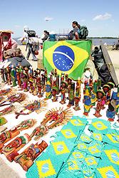 Movimento de público momentos antes da abertura do V Forum Social Mundial, que acontece em Porto Alegre de 26 a 31 de janeiro de 2005. FOTO: Jefferson Bernardes/Preview.com