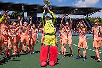 AMSTELVEEN - keeper Maurits Visser (Ned)   met beker  viert het kampioenschap tijdens de finale van het EK Hockey tussen Duitsland en Nederland in het Wagener Stadion op 12 juni 2021 in Amstelveen. COPYRIGHT KOEN SUYK