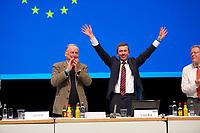 DEU, Deutschland, Germany, Erfurt, 22.03.2014:<br />Alexander Gauland (L) und Prof. Dr. Bernd Lucke beim 2. Bundesparteitag der Partei Alternative für Deutschland (AfD) in der Messe Erfurt.