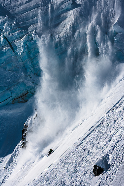 Jeremy Jones coming back to base camp, Deeper expedition, AK.