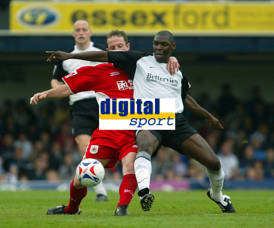 Photo: Chris Ratcliffe.<br />Southend United v Bristol City. Coca Cola League 1. 06/05/2006.<br />Shaun Goater (R) of Southend United tussles with Louis Carey of Bristol City.