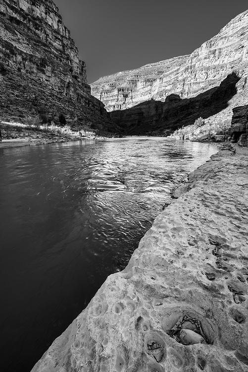 Rock ledge along the San Juan River in Southern Utah.