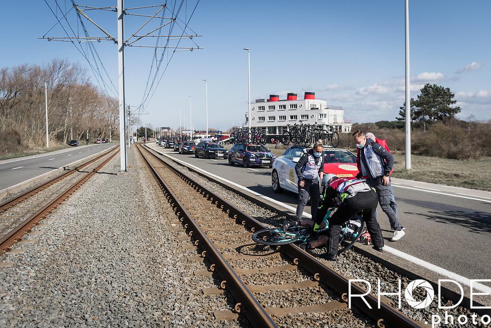 Jessica Allen (AUS/Team BikeExchange) crash<br /> <br /> Oxyclean Classic Brugge-De Panne 2021 (WE/1.WWT) - Belgium<br /> 1 day race from Brugge to De Panne (159km)<br /> <br /> ©RhodePhoto