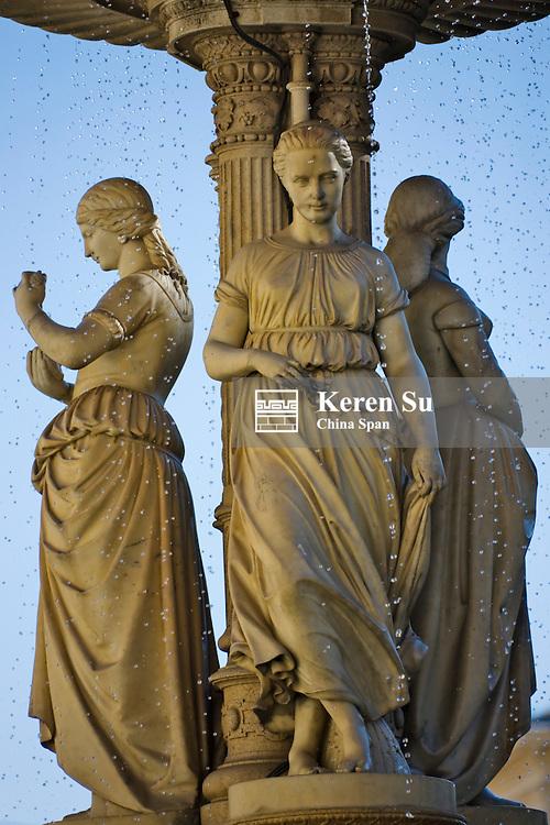 Statue, Vienna, Austria