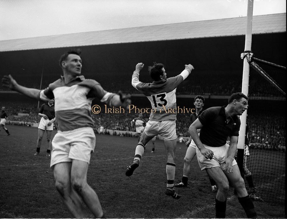 Football - All Ireland Semi Final Replay Down vs Offaly.11/09/1960