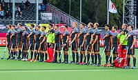 ANTWERPEN - Nederlands team tijdens line up en volkslied    tijdens Nederland-Ierland mannen  bij het Europees kampioenschap hockey. COPYRIGHT KOEN SUYK
