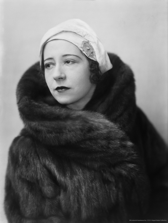 Yvonne Arnaud, pianist, singer and actress, c1915