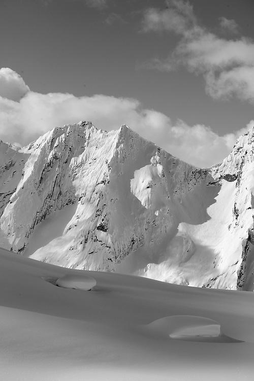 Bugaboos Deep Powder, Canada, CMH, Canadian Mountain Holidays, Heliskiiing, Powder, Best skiing in the world, www.canadianmountainholidays.com, cmh.com, www.dankullberg.com