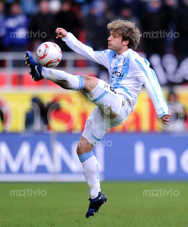 2. Fussball Bundesliga: 16.  Spieltag    Saison   2010/2011 FC Ingolstadt - TSV 1860 Muenchen   12.12.2010 Daniel Halfar (1860 Muenchen)