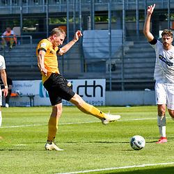 Dresdens Hartmann, Marco (6) bei seinem Treffer zum 0:1 beim Spiel in der 2. Bundesliga, SV Sandhausen - Dynamo Dresden.<br /> <br /> Foto © PIX-Sportfotos *** Foto ist honorarpflichtig! *** Auf Anfrage in hoeherer Qualitaet/Aufloesung. Belegexemplar erbeten. Veroeffentlichung ausschliesslich fuer journalistisch-publizistische Zwecke. For editorial use only. For editorial use only. DFL regulations prohibit any use of photographs as image sequences and/or quasi-video.