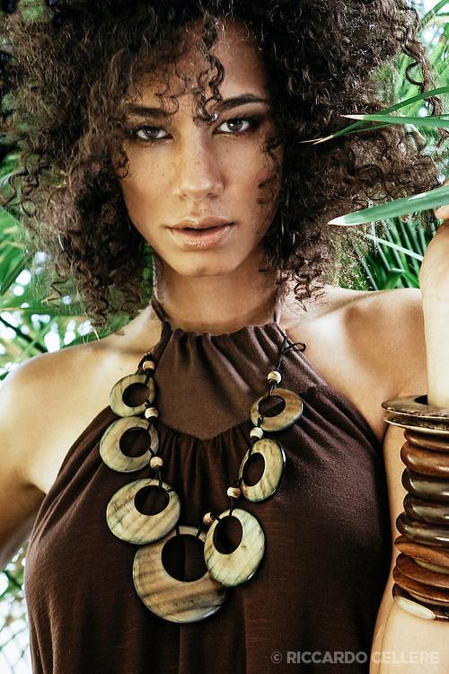 Fashion photography. Make-up: Maya Goldenberg. 2008.