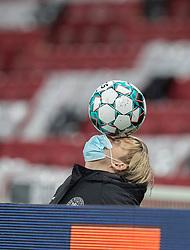 Bolddreng under kampen i Nations League mellem Danmark og Island den 15. november 2020 i Parken, København (Foto: Claus Birch).