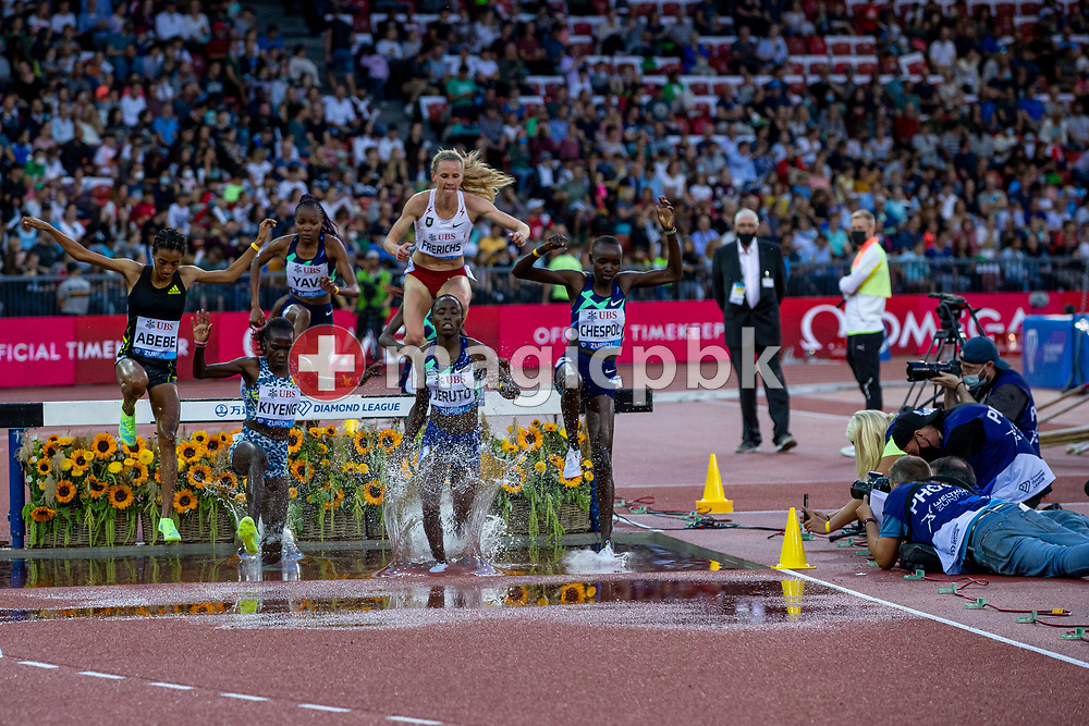 Norah Jeruto (C) of Kenya on her way winning the 3000m Steeplechase Women during the Iaaf Diamond League meeting (Weltklasse Zuerich) at the Letzigrund Stadium in Zurich, Switzerland, Thursday, Sept. 9, 2021. (Photo by Patrick B. Kraemer / MAGICPBK)