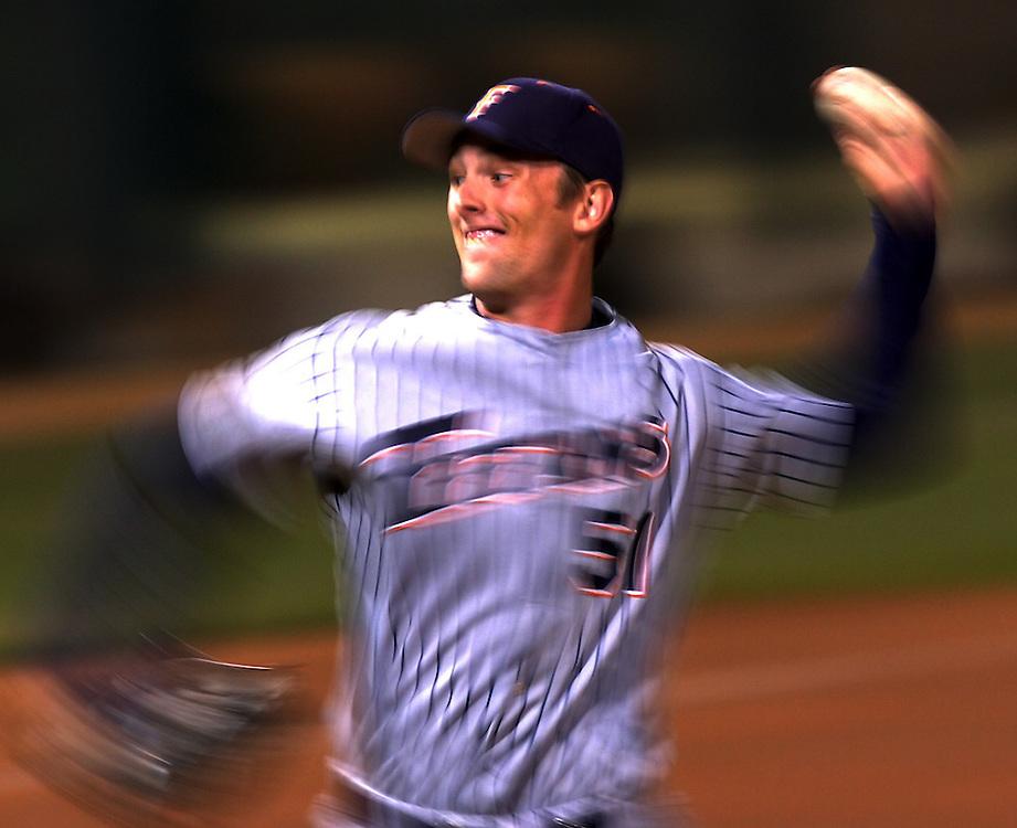 4/9/06 12:17:48 PM --- BASEBALL SPORTS SHOOTER ACADEMY 002 --- Baseball at Cal State Fullerton. Photo by Brett Gundlock, Sports Shooter Academy